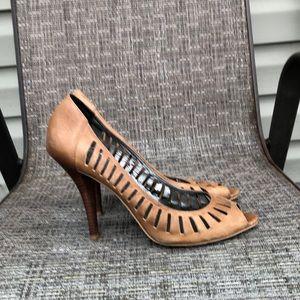 Jessica Simpson women's brown leather heels